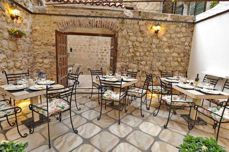 07 e1521469988628 - Рестораны и кафе в Которе