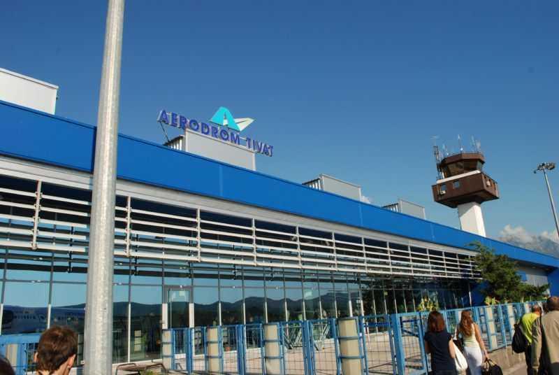 1491943305 aeroport 1 e1521739133772 - Аэропорт в Тивате