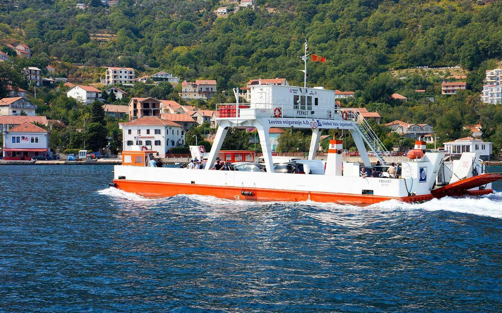 1 24 - Паромы и переправы в Черногории