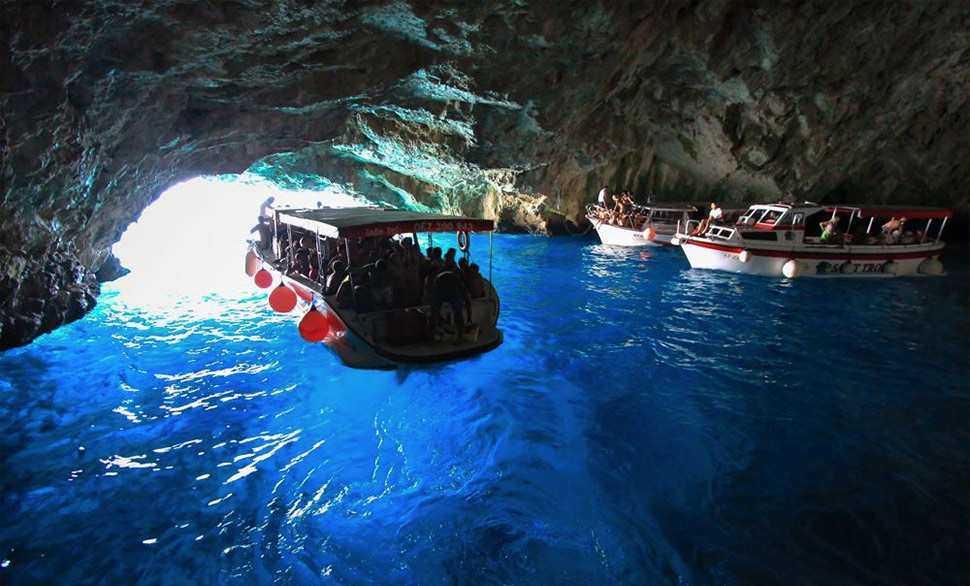 bd8d5f8d 09d3 4ed8 8552 431a04cba481 - Экскурсии в Черногории: популярные маршруты и цены