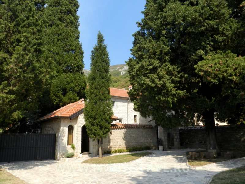 DSCN2241 e1522153226405 - Монастырь Дулево в Черногории