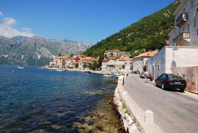 DSC 0564 e1521917562984 - Как добраться из Пераста в другие города Черногории