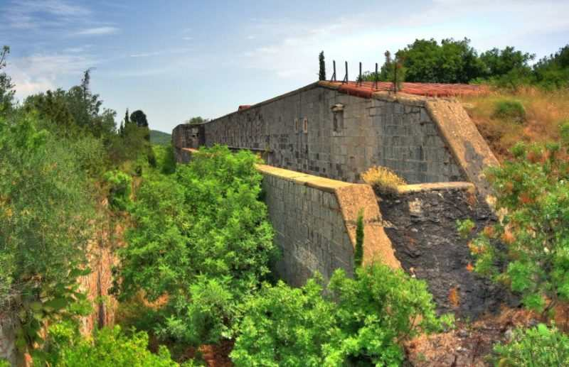 Forte Rose snaruzhi e1522169754300 - Форты Росе в Черногории