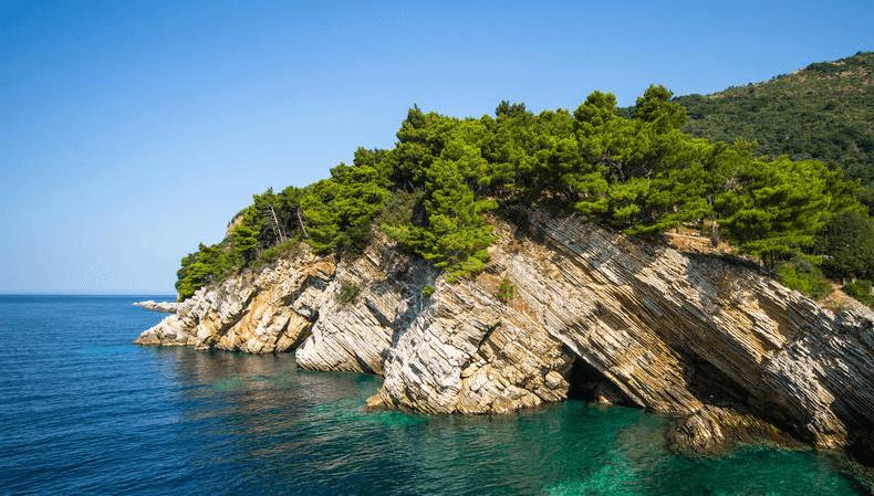 Какое море в Петроваце?