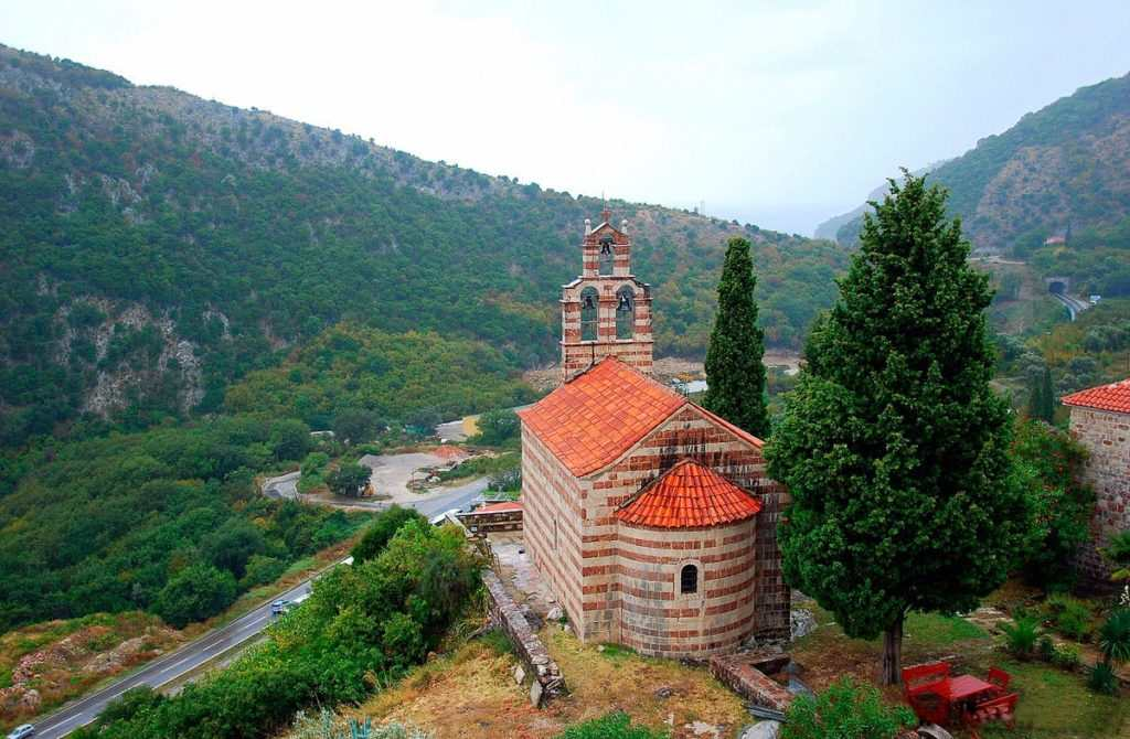 Монастырь в Петровац