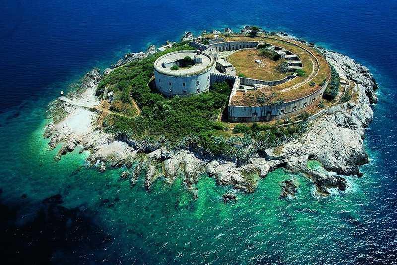 ostrov mamula - Остров Мамула и Игало в Черногории