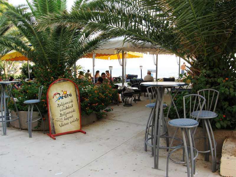 Рестораны и кафе Петроваца