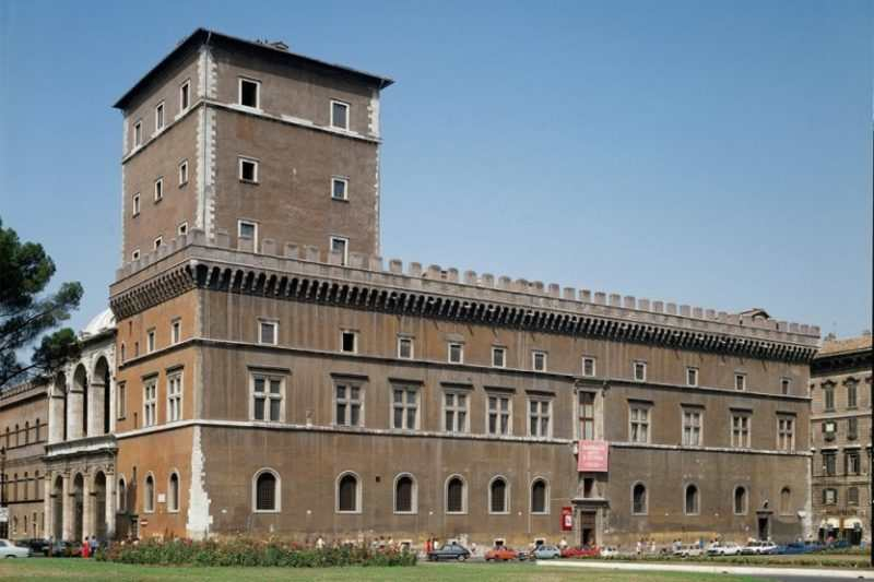 palacco veneciya 2 e1522173617514 - Палаццо-Венеция в Ульцине