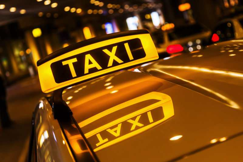 taksi aeroport 1 e1521881921631 - Такси и трансфер в Бечичи